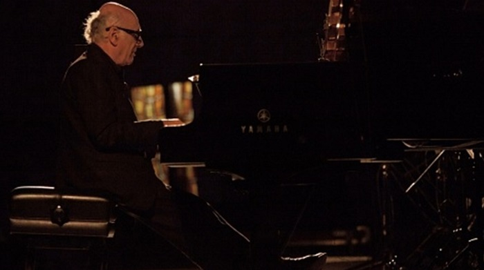 Michael Nynman - Playing piano