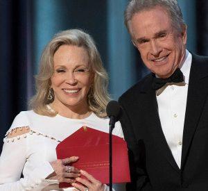 Oscars 89ª Edición - Faye Dunaway, Warren Beatty y el sobre equivocado
