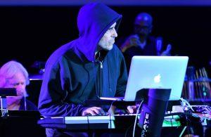 Mac Quayle - Mr Robot Live