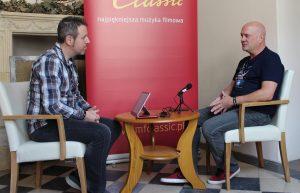 Gorka Oteiza entrevistando a Trevor Morris