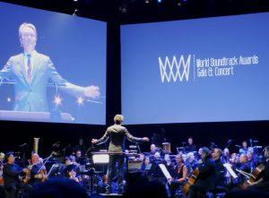 WSA2018 - Resumen - Concierto-Gala - Carter Burwell dirigiendo